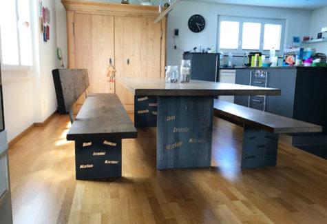 Tisch und Bänke